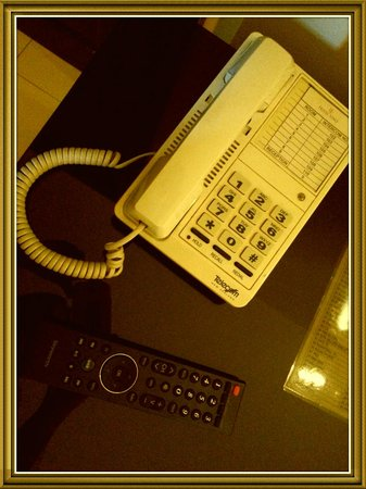 The Wine Museum Hotel: rm.phone can't received or make outside call