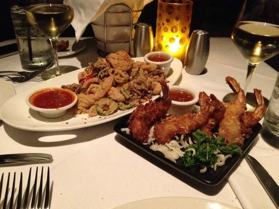 Weehawken, Nueva Jersey: The starters we had...fantastic seafood!