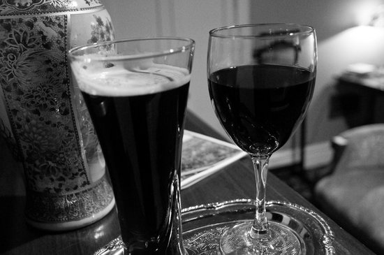Ann Bean Mansion B&B: Complimentary homebrew and wine