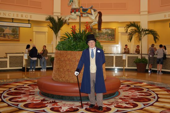 Disney's Saratoga Springs Resort & Spa: Master of ceremonies (AKA host)