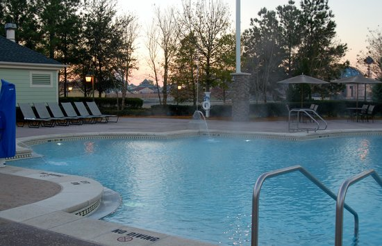 Disney's Saratoga Springs Resort & Spa: Partial pool view from Congress Park section