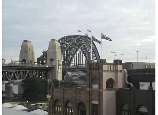 Holiday Inn Old Sydney: Daytime view of Bridge