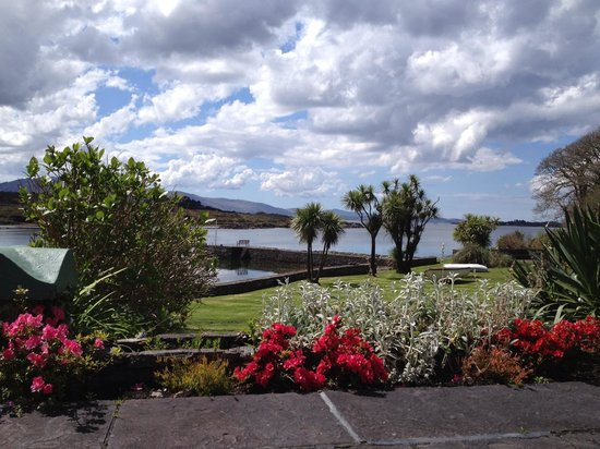 Sneem, Irlanda: View from terrace