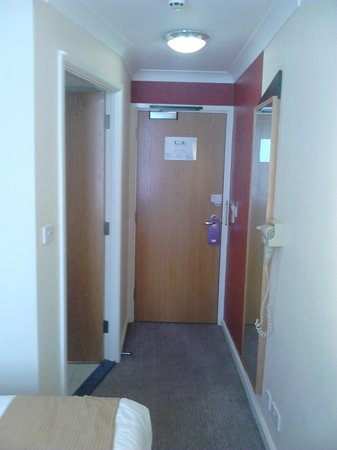 Holiday Inn Express London - Victoria : The door leading out 