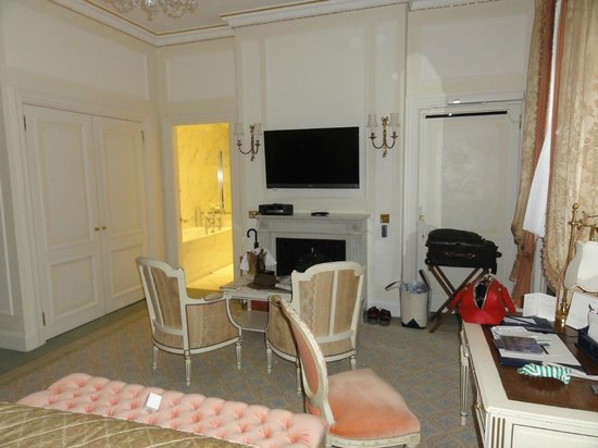 The Ritz London: Our upgraded room