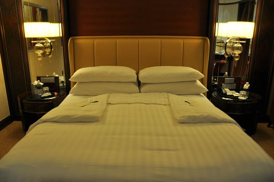 Shangri-La Hotel Kuala Lumpur : turn down service, time for bed 