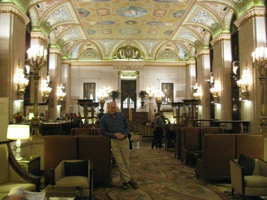 The Palmer House Hilton: Magnificent lobby