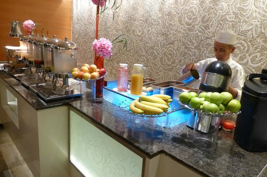 Holiday Inn Singapore Orchard City Centre: Breakfast Buffet - Fresh juices