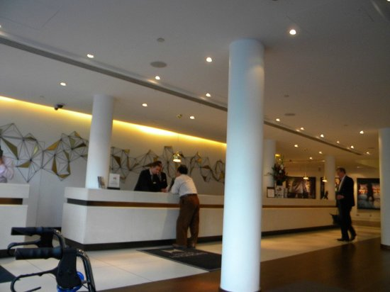 Doubletree by Hilton Hotel London - Westminster: View of the lobby.