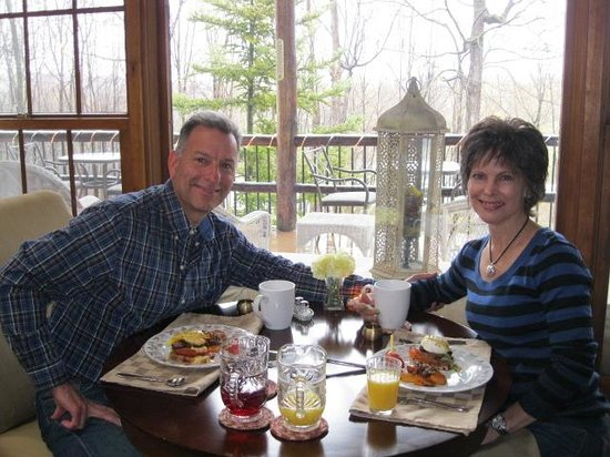 The Chalet of Canandaigua: Gourmet breakfasts!
