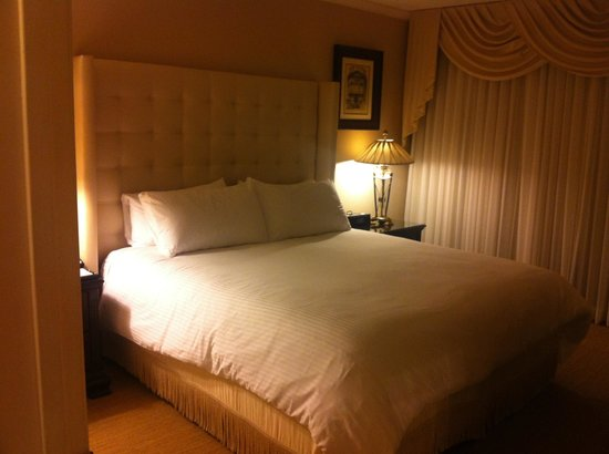 Beverly Hills Plaza Hotel: Bedroom