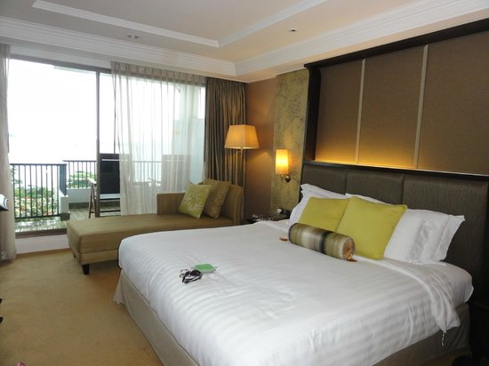 Dusit Thani Pattaya: Club Room area