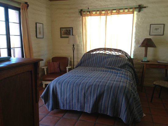 29 Palms Inn: Authentic adobe style room