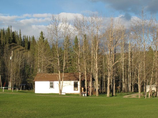 Hinton, Kanada: The white cabin