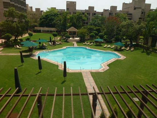 Hyatt Regency Delhi: pool
