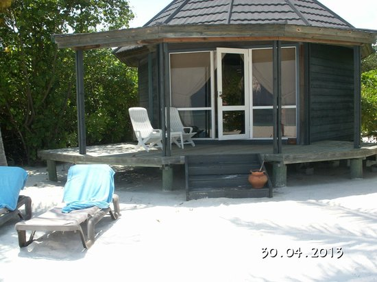 Kuredu Island Resort &amp; Spa: Jaccusi beach villa 160