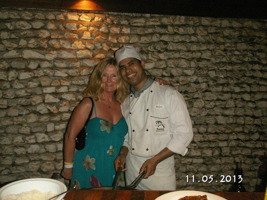 Kuredu Island Resort &amp; Spa: Best breakfast chef x