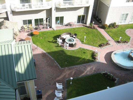 Hilton Garden Inn Outer Banks/Kitty Hawk: Immediate view from above