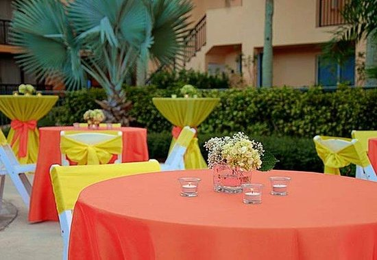 Boynton Beach, : Outdoor Banquet Details