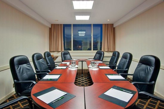 Holiday Inn Kingston - Waterfront: The Cabinet Meeting Room