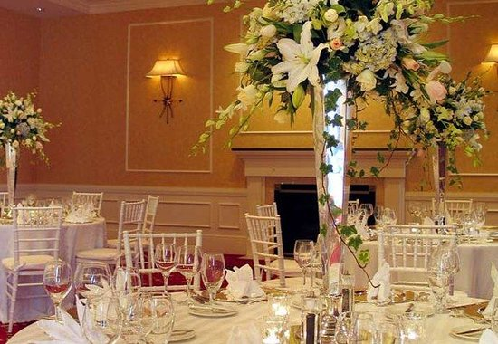 Baltimore Marriott Waterfront: Ballroom Weddings