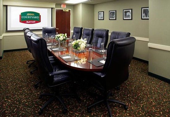 Courtyard by Marriott Columbus Downtown: Executive Boardroom