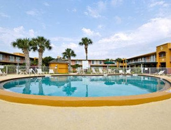 Days Inn Orlando International Drive South of Universal: Pool