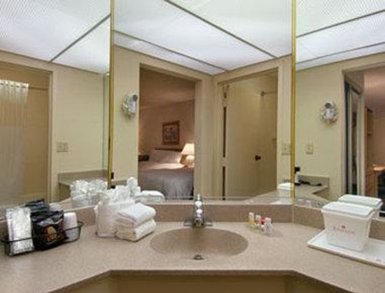 Florida City, FL: Bathroom
