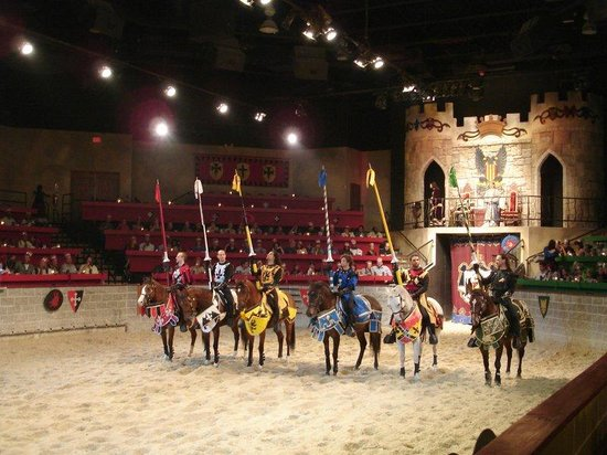Holiday Inn Buena Park Hotel &amp; Conference  Center: Medieval Times Dinner Theater
