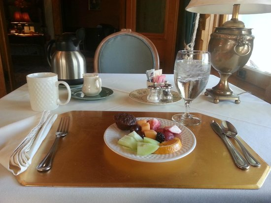 The Kalamazoo House Bed and Breakfast: Breakfast, YUM