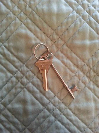 The Kalamazoo House Bed and Breakfast: Love the key to the room!