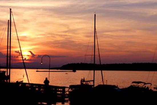 BEST WESTERN PLUS Windjammer Inn &amp; Conference Center: Lake Champlain