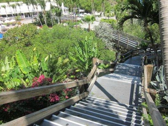 Sugar Bay Resort & Spa: going down the stais (101 steps) to the pool and beach area