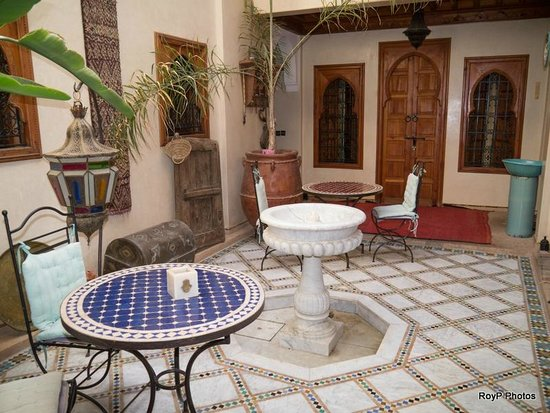 Riad Dubai: Courtyard. Breakfast can be taken in the courtyard.