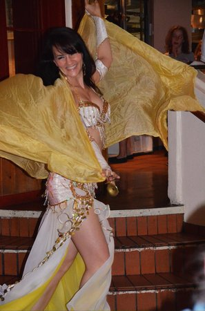North Vancouver, Canada: Belly Dancer
