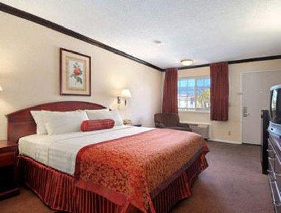 Ramada Inn of Pasadena : King Room