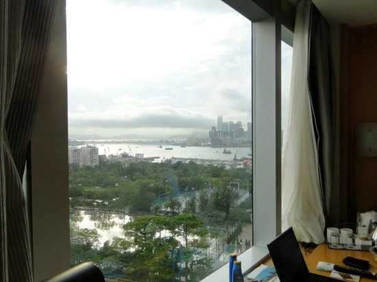 Metropark Hotel Causeway Bay Hong Kong: Viem from 18th  floor