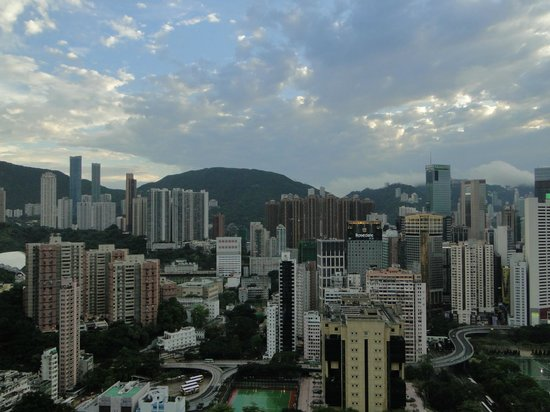 Metropark Hotel Causeway Bay Hong Kong: View from the room