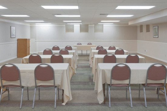 La Quinta Inn &amp; Suites Las Vegas Airport N Conv.: Meeting Room