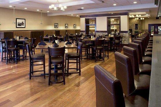 Four Points by Sheraton Asheville Downtown: Chop House Restaurant
