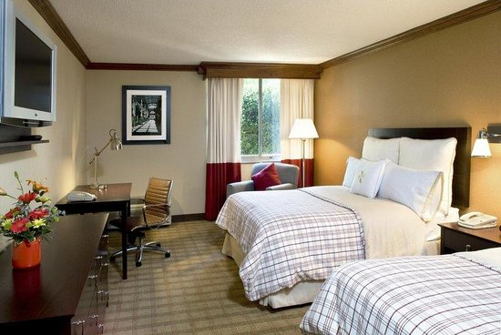 Four Points by Sheraton Asheville Downtown: Guest Room
