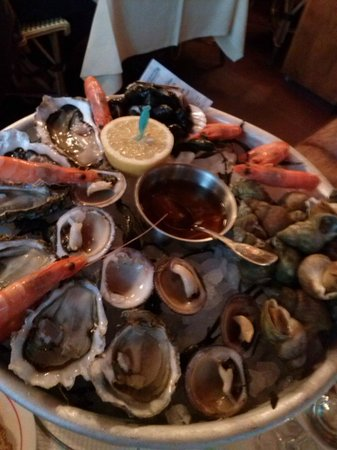 Le Havre, France : Plateau de fruits de mer 