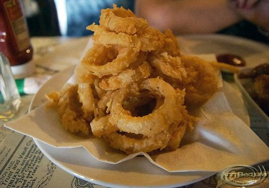 Langley City, Canada : The yummy onion rings at Choo Choo's
