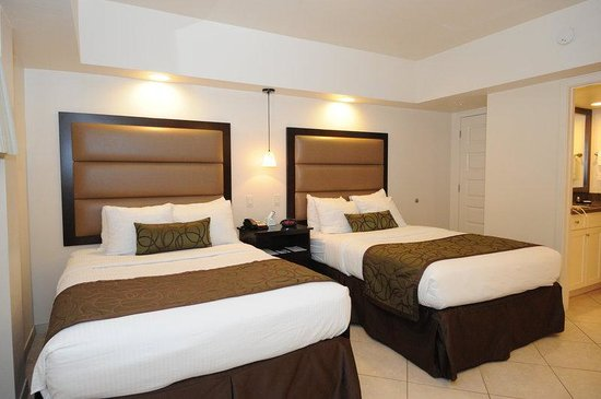 BEST WESTERN PLUS Beach Resort: Suite with 2 Double Beds