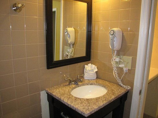 BEST WESTERN PLUS Hibiscus Motel: Queen Suite - Vanity