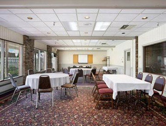 Sioux City, IA: Large Meeting Room
