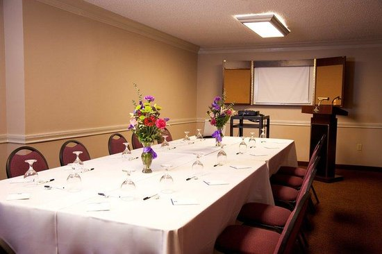 BEST WESTERN PLUS Landmark Hotel: Meeting Room