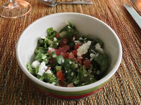 Coconut Lodge: Fresh salad, gourmet greens and feta, every dinner