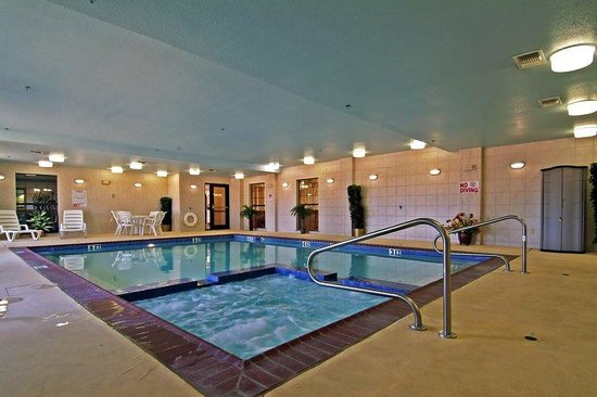 Clarendon, TX: Indoor Pool and Spa