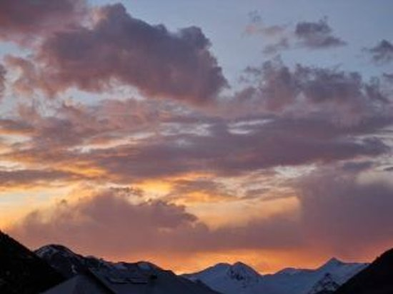 The Ruby of Crested Butte - A Luxury B&B: Sunset seen from the Ruby